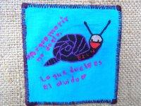 サパティスタ EZLN 刺繍 ミニタペストリー [ブルー カタツムリ]