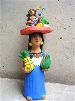 アギラールファミリー 陶人形  [パインとスイカを抱くインディヘナ] オアハカ