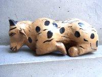 ゲレーロ  木製人形 [休んでいる雄牛]  ナシミエント