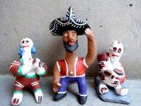 オクミチョ 人形  [ポジート ホイッスル カラベラと男性]民芸品