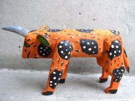 ウッドカービング 木彫り サンチアゴファミリー  [ドット模様の牛 オレンジ]