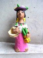 オアハカ アギラール 土人形  [ホセフィーナ 果物売りのインディヘナ ]