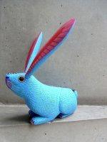 オアハカ ウッドカービング 木彫り人形 [A・ラミレス ウサギ アクアブルー]