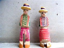ペルー ワンカヨ 木彫り人形  [カップル]