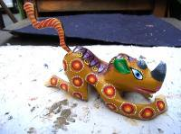 アレブリヘス 木彫りの動物  [サイ? ブラウン] 民芸品 オアハカ