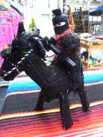 EZLN サパティスタ 人形 馬 ゲリラ オンブレ ブラック<img class='new_mark_img2' src='https://img.shop-pro.jp/img/new/icons39.gif' style='border:none;display:inline;margin:0px;padding:0px;width:auto;' />