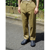 <img class='new_mark_img1' src='//img.shop-pro.jp/img/new/icons5.gif' style='border:none;display:inline;margin:0px;padding:0px;width:auto;' />CHINO TROUSERS