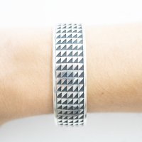 <img class='new_mark_img1' src='https://img.shop-pro.jp/img/new/icons5.gif' style='border:none;display:inline;margin:0px;padding:0px;width:auto;' />Hopi Lighting Design Bracelet   by Clifton Towa
