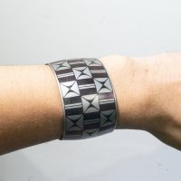 <img class='new_mark_img1' src='https://img.shop-pro.jp/img/new/icons5.gif' style='border:none;display:inline;margin:0px;padding:0px;width:auto;' />Laser Engraving Stainless Steel Bracelet   by Pat Pruitt