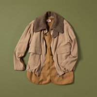 <img class='new_mark_img1' src='https://img.shop-pro.jp/img/new/icons47.gif' style='border:none;display:inline;margin:0px;padding:0px;width:auto;' />BOMBER JACKET | BEIGE