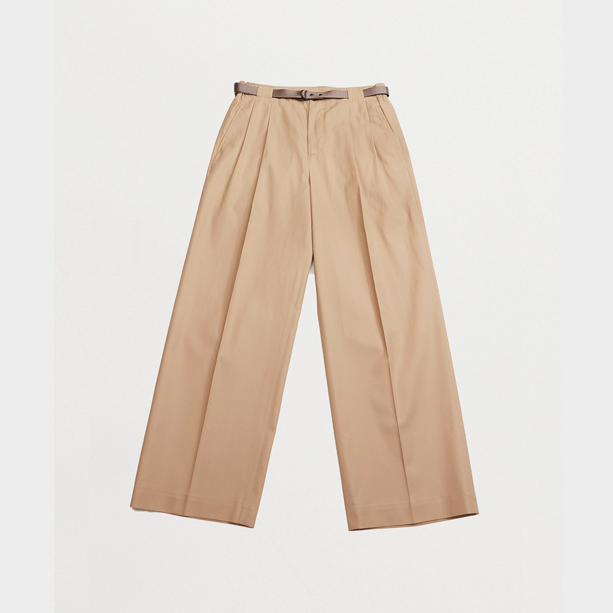 <img class='new_mark_img1' src='https://img.shop-pro.jp/img/new/icons5.gif' style='border:none;display:inline;margin:0px;padding:0px;width:auto;' />TWO TUCKS WIDE PANTS WITH BELT / BEIGE