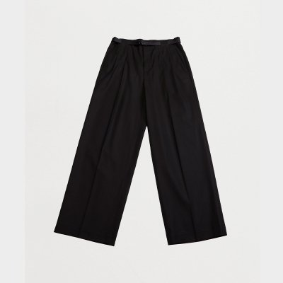 <img class='new_mark_img1' src='https://img.shop-pro.jp/img/new/icons47.gif' style='border:none;display:inline;margin:0px;padding:0px;width:auto;' />TWO TUCKS WIDE PANTS WITH BELT / BLACK