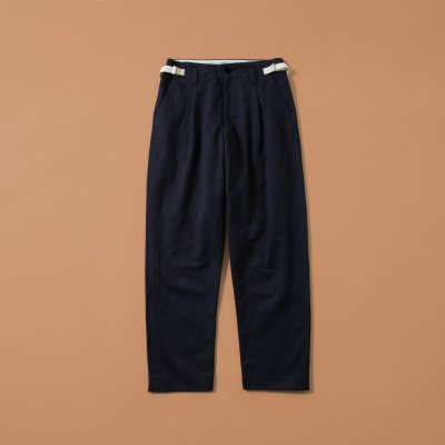 <img class='new_mark_img1' src='https://img.shop-pro.jp/img/new/icons5.gif' style='border:none;display:inline;margin:0px;padding:0px;width:auto;' />LINEN TAPARED TUCK PANT / NAVY