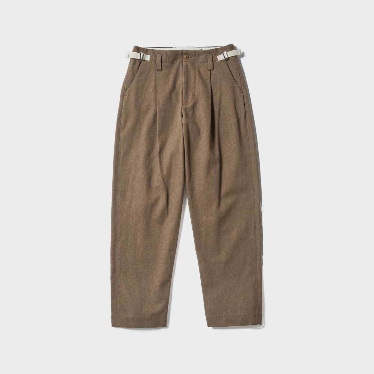 <img class='new_mark_img1' src='https://img.shop-pro.jp/img/new/icons5.gif' style='border:none;display:inline;margin:0px;padding:0px;width:auto;' />【2021AW】ARMY CLOTH TAPARED PT | BEIGE
