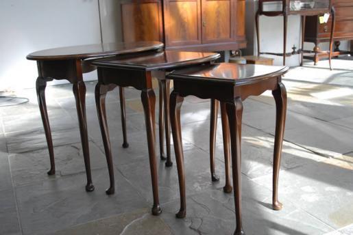 三段ネストテーブル