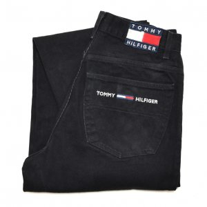 <img class='new_mark_img1' src='https://img.shop-pro.jp/img/new/icons50.gif' style='border:none;display:inline;margin:0px;padding:0px;width:auto;' />90'S TOMMY HILFIGER トミーヒルフィガー ブラックデニム フラッグタグ TOMMY JEANS バギーパンツ 【W32】