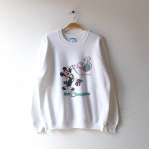 <img class='new_mark_img1' src='https://img.shop-pro.jp/img/new/icons12.gif' style='border:none;display:inline;margin:0px;padding:0px;width:auto;' />90'S MICKEY MOUSE ミッキーマウス USA製 ディズニーオフィシャル 20 MAGICAL YEARS ヴィンテージスウェットシャツ 【XL】