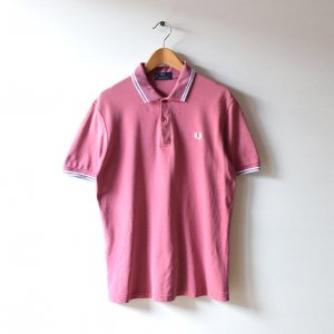 <img class='new_mark_img1' src='https://img.shop-pro.jp/img/new/icons12.gif' style='border:none;display:inline;margin:0px;padding:0px;width:auto;' />FRED PERRY フレッドペリー イングランド製 鹿の子 ポロシャツ 【L相当】