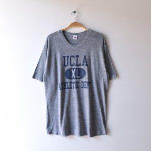 80'S UCLA ATHLETIC DEPT. 霜降りグレー 3段プリント カプセル USA製 ヴィンテージTシャツ 【XL】