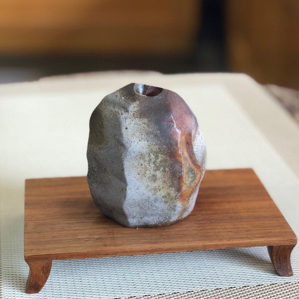 ミニ花瓶 雰囲気のある岩 その3