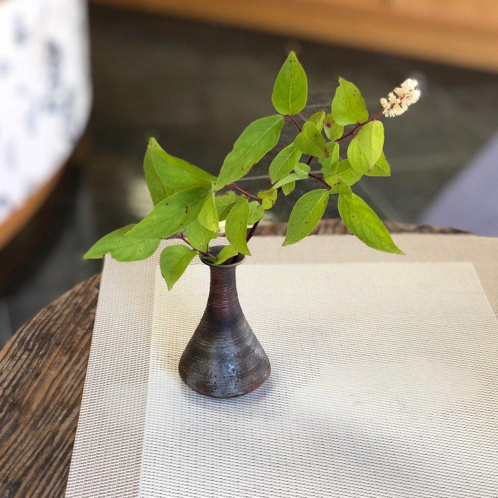 ミニ花瓶 結構小さい糸目一輪