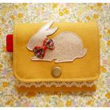 キラキラウサギのコインケース・マスタード