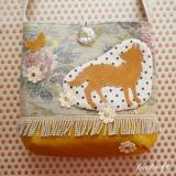 オオカミの花畑ポシェット カラー/マスタード