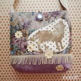 オオカミの花畑ポシェット カラー/ラベンダー