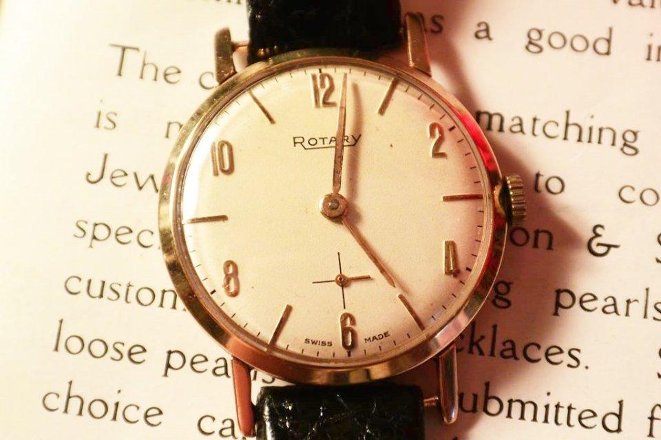 best service 34a75 c92b5 ロータリー【ROTARY 】 9金無垢 手巻き腕時計 1959年 - 西洋 ...