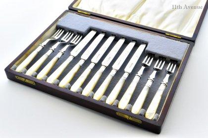 James Dixon & Sons【イギリス】白蝶貝と純銀のナイフ&フォークセット 1929年
