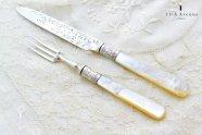 アトキン・ブラザーズ【イギリス】白蝶貝と純銀のデザート用ナイフ&フォークセット 1900〜1901年