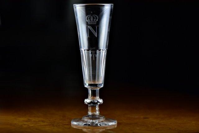 ボヘミア【アンティーク】エナメル装飾花文花瓶
