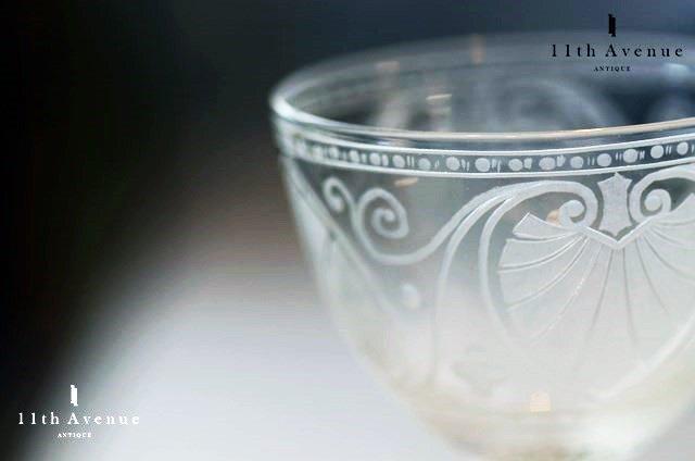 イギリス【アンティーク】 パルメット文ワイングラス 1860年代