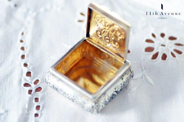フランス【アンティーク 】モノグラム  純銀製ピルケース