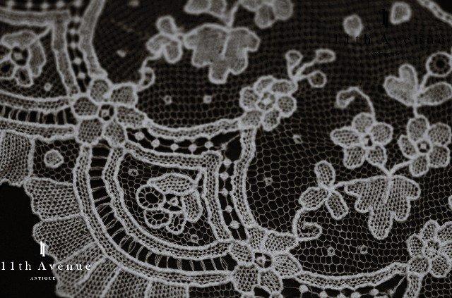 ポワンドガーズ【ベルギー】花模様のボーダー(テープレース)50cm
