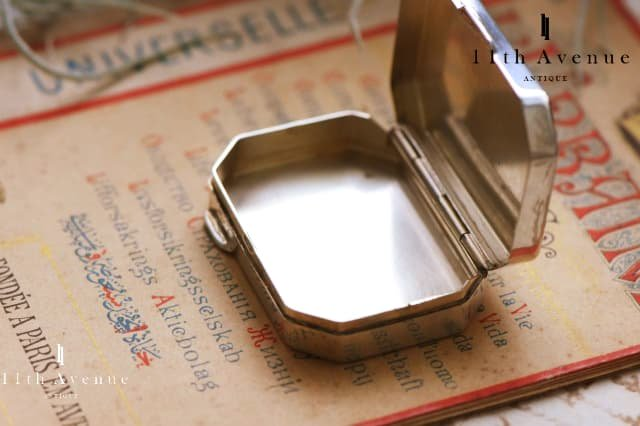 フランス【ヴィンテージ】レクタングル純銀製ピルケース