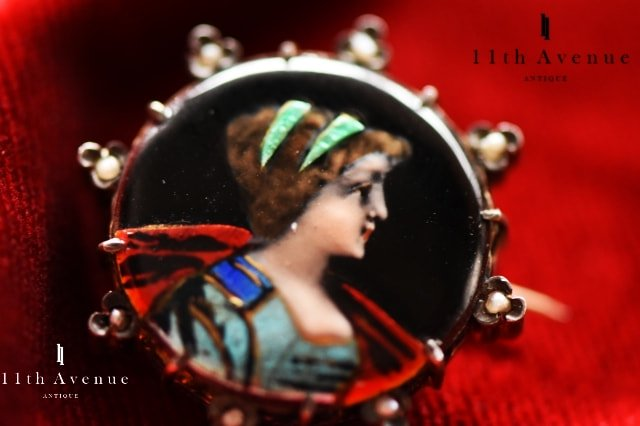 フランス【アンティーク】エナメル装飾女性図シルバー製ブローチ