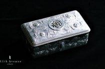 ジュール・ヴィエズ【フランス】ルネサンス&ルイ16世様式 純銀製ボックス