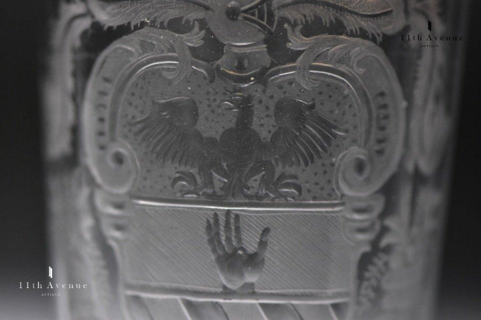 ボヘミア【アンティーク】エングレーヴィング装飾紋章文タンブラー