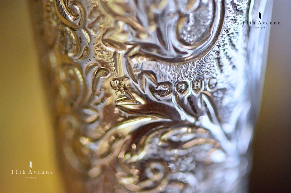William Comyns & Sons【イギリス】純銀製 ミニ花瓶 ペア 1883年