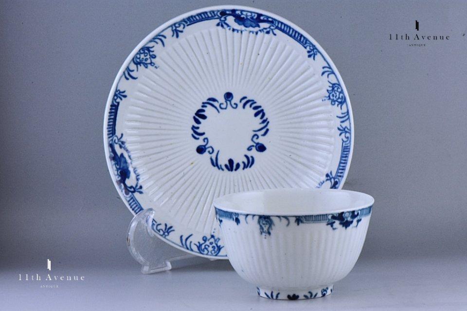 ウースター(イギリス)ランブルカン装飾ティーボウル&ソーサー≪Worcester Lambrquin border teabowl & saucer≫