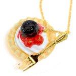 レアチーズタルトのネックレス