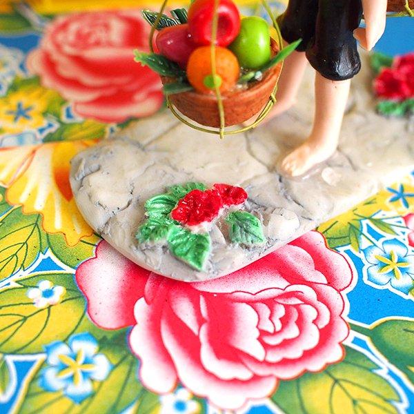 ベトナム 天秤棒で果物を運ぶ女の子【画像10】