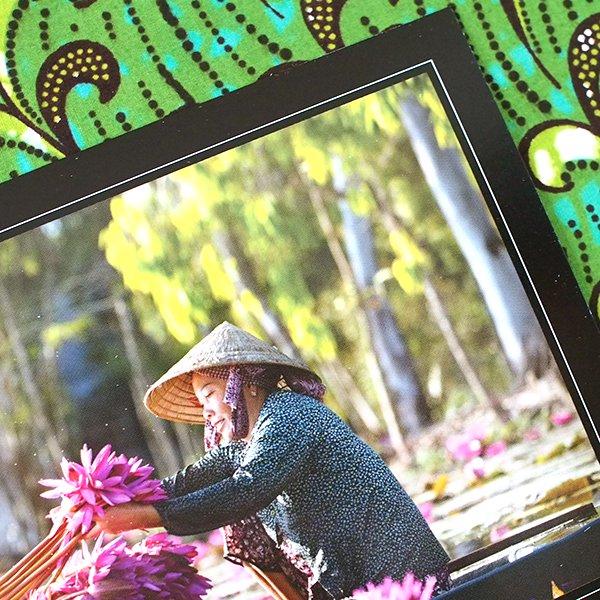 ベトナム ポストカード【睡蓮を束ねている女性】woman bundling Water Lillies ...【画像3】