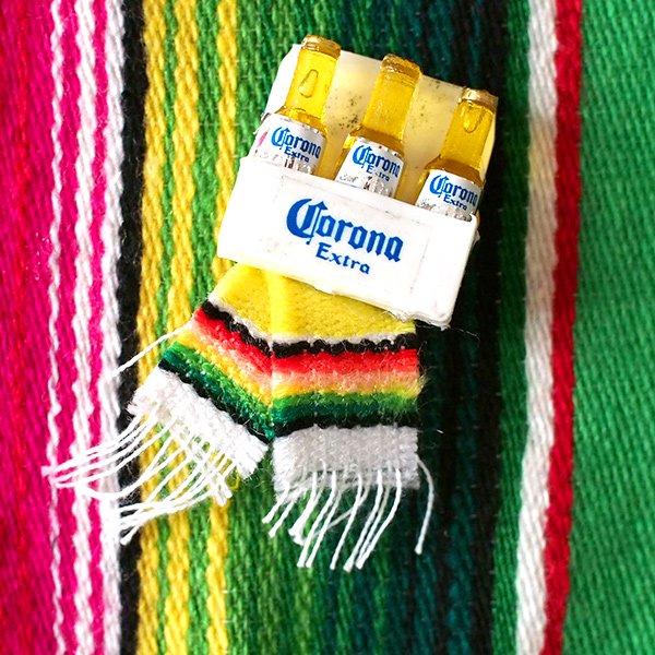 メキシコ ミニCORONAのマグネット(サラペ付き)【画像3】