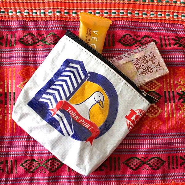 ベトナム 飼料袋リメイクポーチポーチ(トリ)