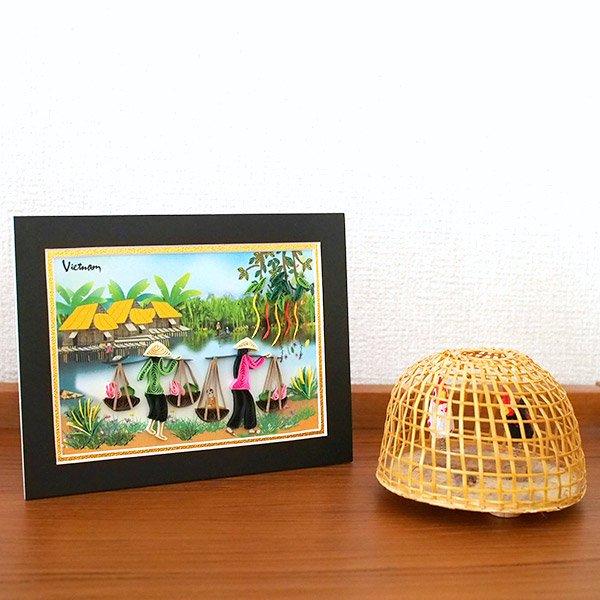 ベトナム クイリングアート 【Quilling art】12×17 天秤棒で蓮を摘む女性 【画像5】