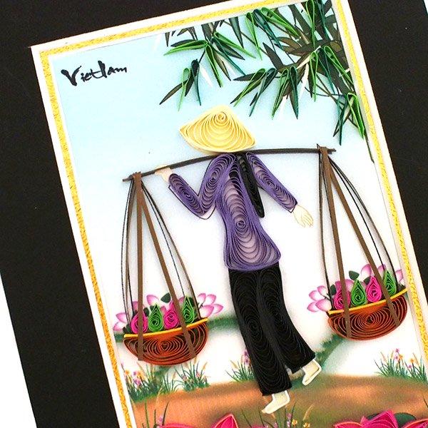 ベトナム クイリングアート 【Quilling art】17×12 天秤棒を担ぐ女性と蓮 【画像2】