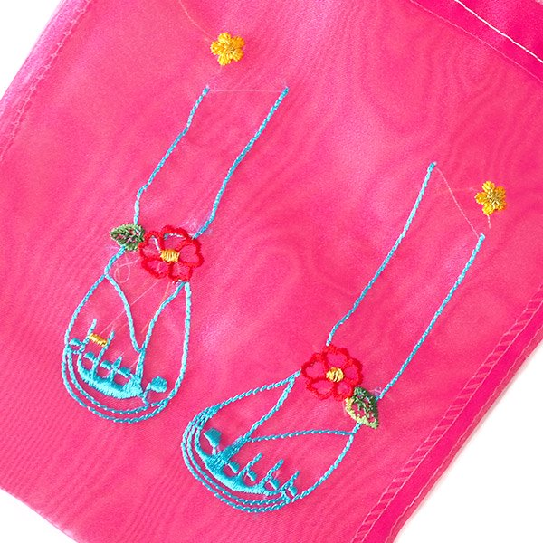 ベトナム  刺繍 巾着(ビーチサンダル)