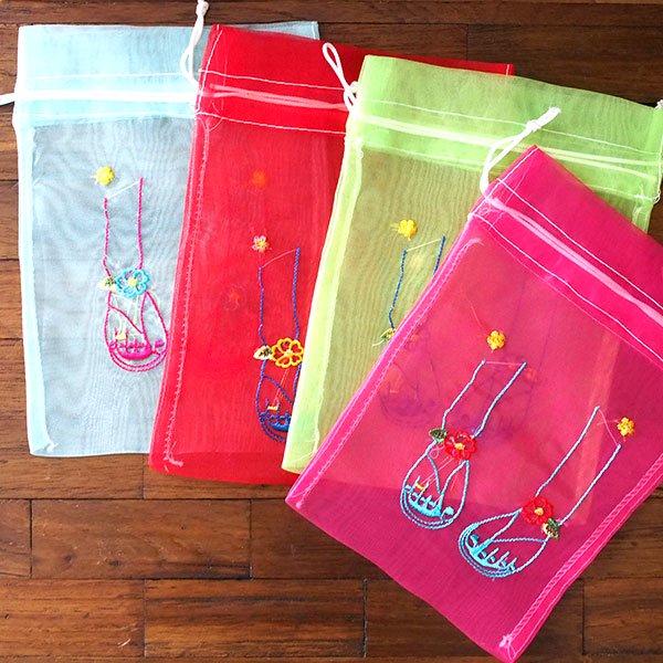 ベトナム 刺繍 巾着(オーガンジー サンダル 中サイズ 19×14)【画像7】